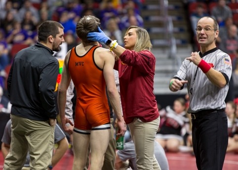 thumbs_news_iowa-state-high-school-wrestling-tournament-athletic-training-oldsite.jpg